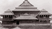 640px-Wolpa_Synagogue_Poland_1920